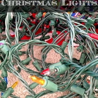 How to Store Christmas Lights - rockabyeparents.com