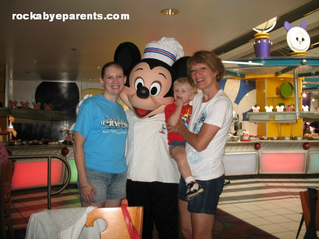 How to Save Time on Character Meet & Greets at Walt Disney World
