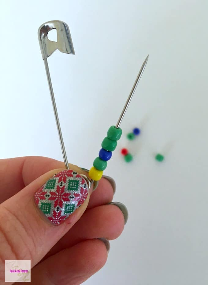 Christmas Safety Pin Craft